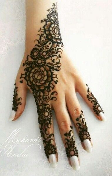 About henna on pinterest henna mehandi designs and henna tutorial - Beautiful Mehndi Designs For Eid Day Creativecollections