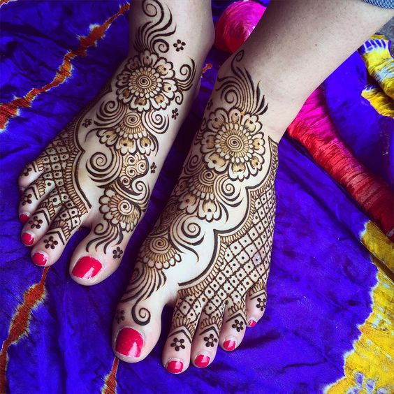 net and traditional mehndi design