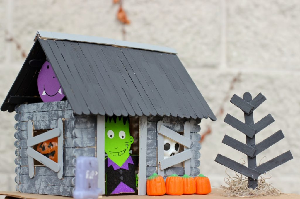 fall and halloween haunted house crafts ideas for kids