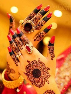 Beautiful Mehndi designs for Eid day #creativecollections2
