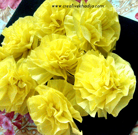 How to make colorful crepe paper flowers