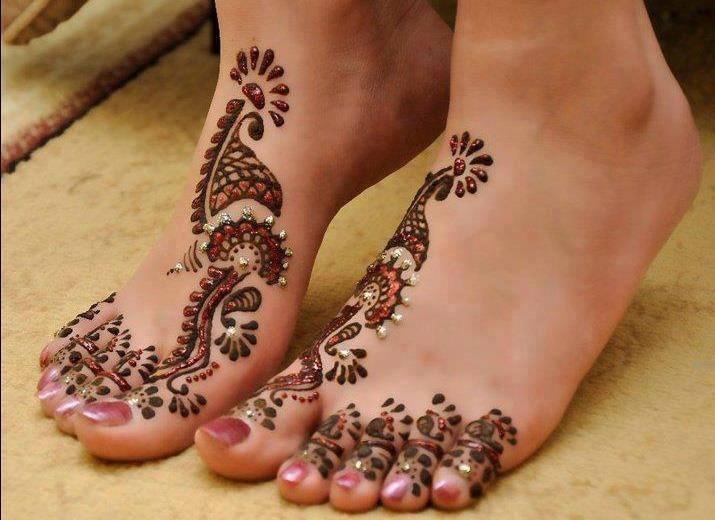 delicate feet mehndi design