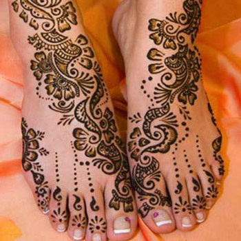 detailed full feet mehndi design