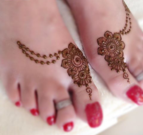 plain mehndi design for feet
