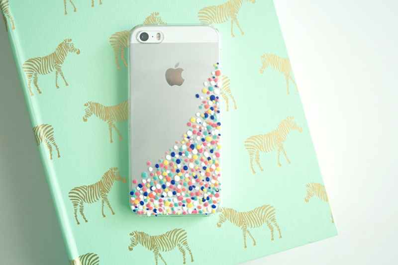DIY confetti phone case