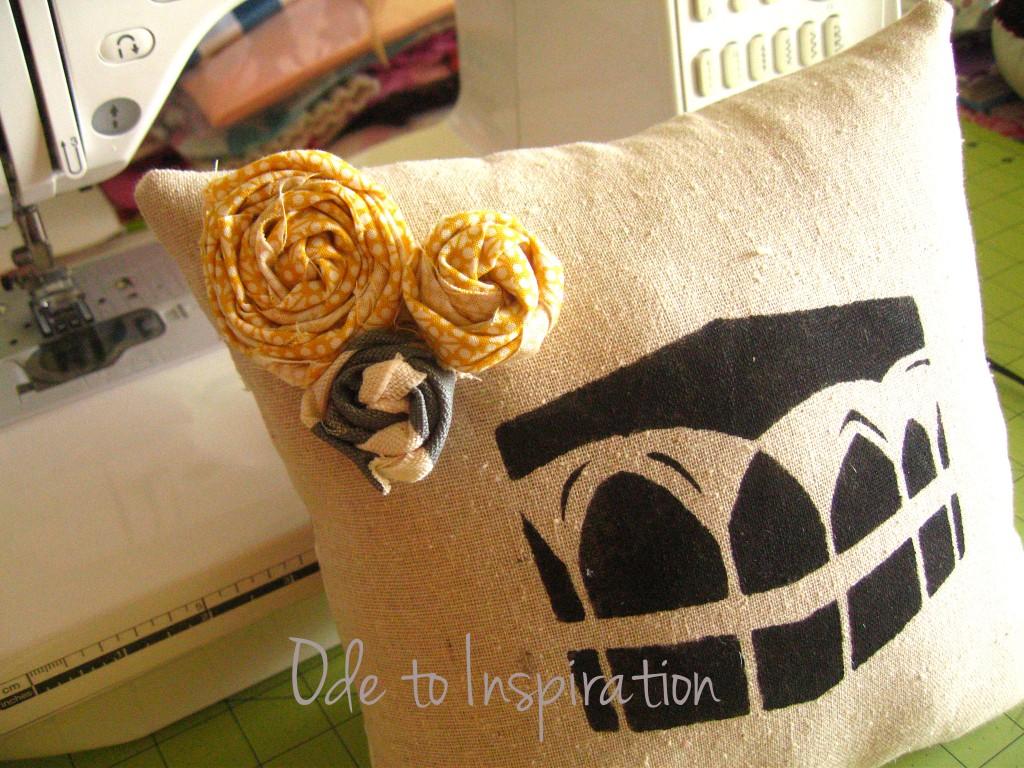 Eid-Al-Adha-Pillow-Decoration-kaaba-creative-stencil