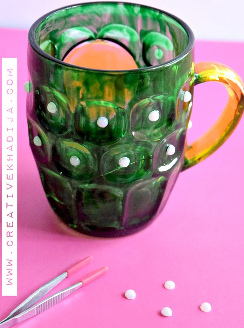 Easy-Way-To-Reuse-Recycle-Cracked-Glass-Mug-DIY