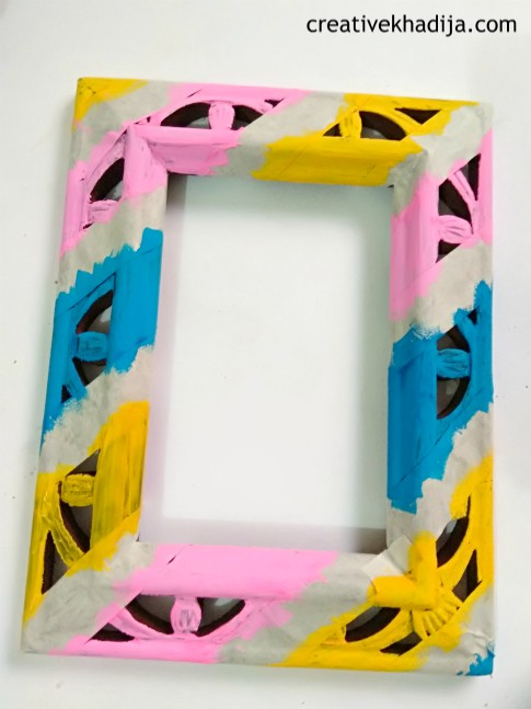 how-to-decorate-wooden-photo-frame