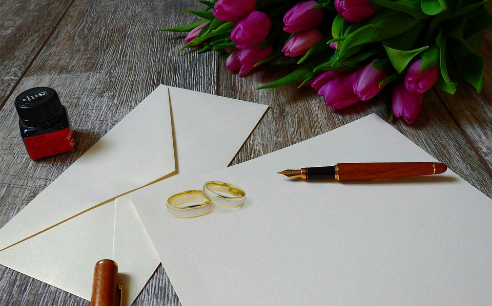 3 Ways to Make Your Wedding Invitations Stand Out