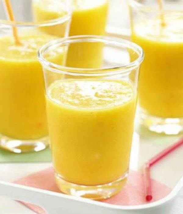 best mother's day breakfast ideas mango and banana smoothie