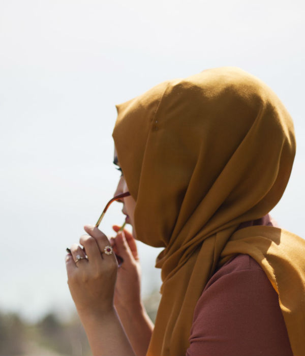 how to tie a hijab in easy and stylish way why do muslim women cover their hair