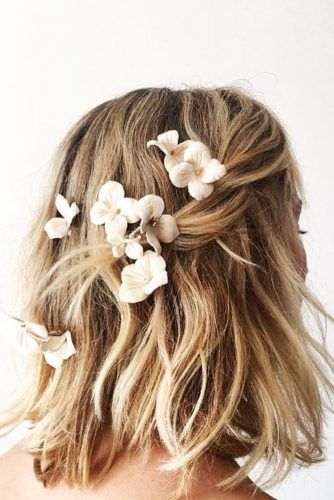 beautiful hairstyles with floral hair pins 11