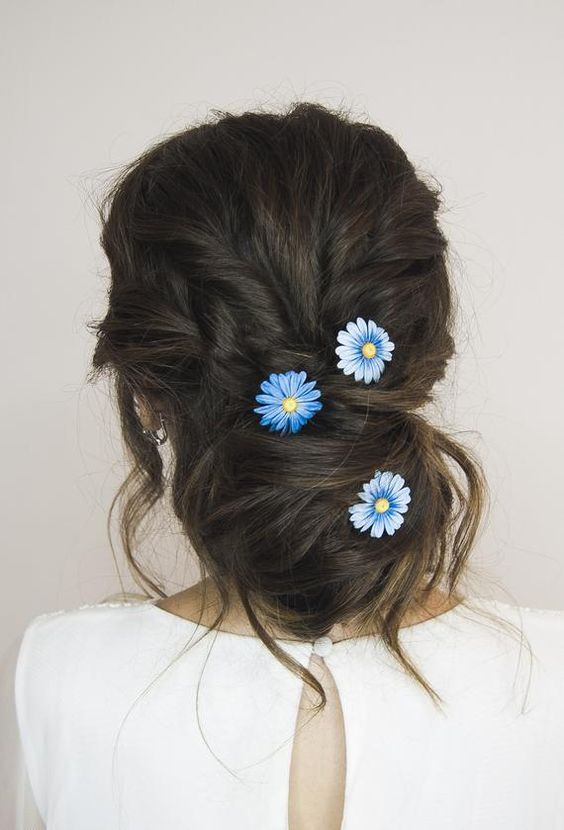 beautiful hairstyles with floral hair pins 13