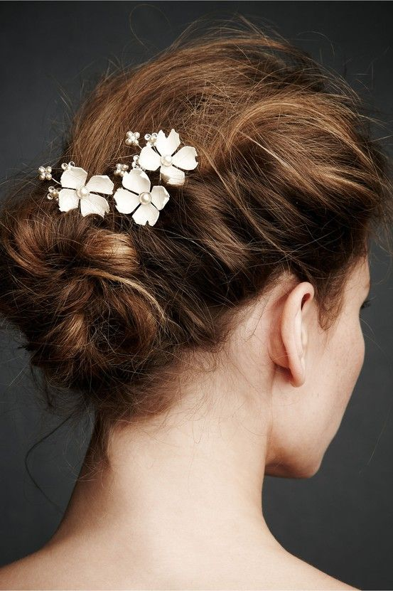 beautiful hairstyles with floral hair pins 15