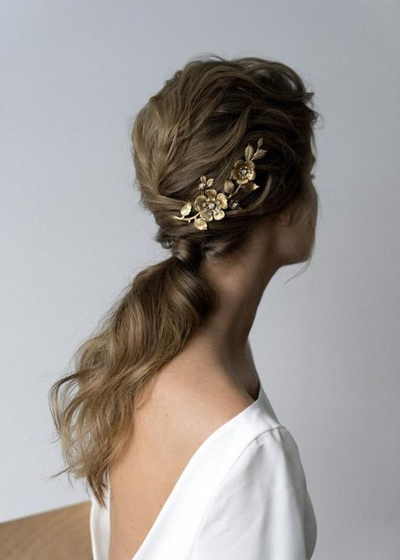 beautiful hairstyles with floral hair pins 5