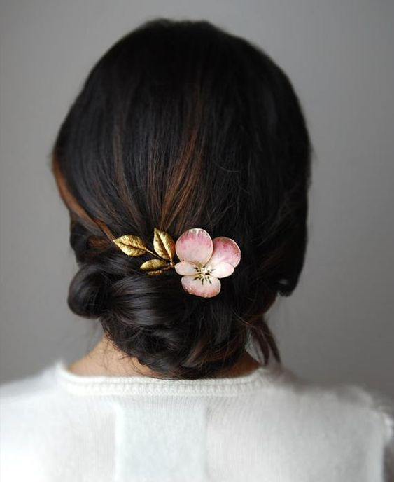 beautiful hairstyles with floral hair pins 6