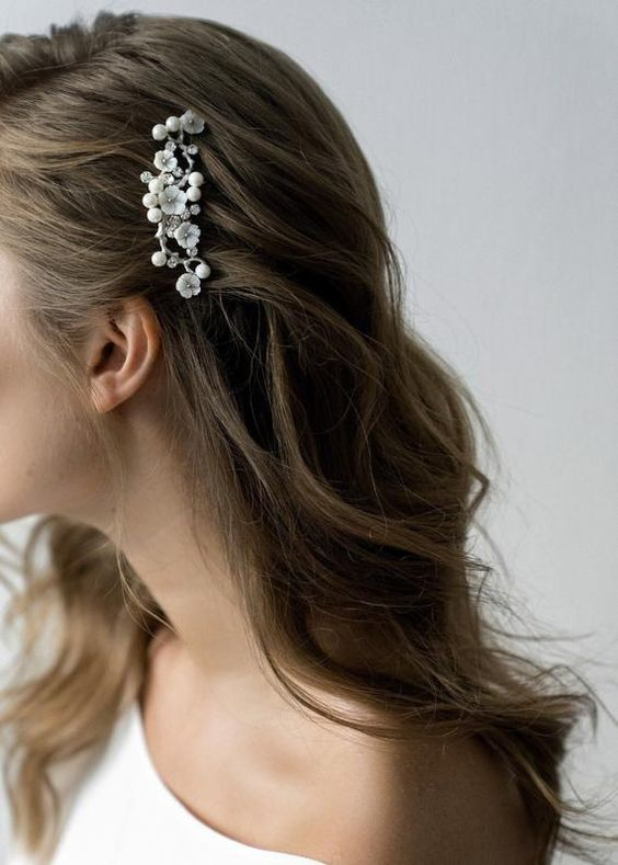beautiful hairstyles with floral hair pins 7