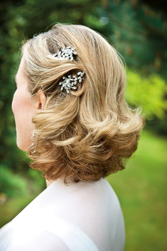 hairstyles for short hair with hair pins 1