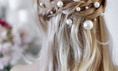 pearl bobby pins with loose hair hairstyle 16