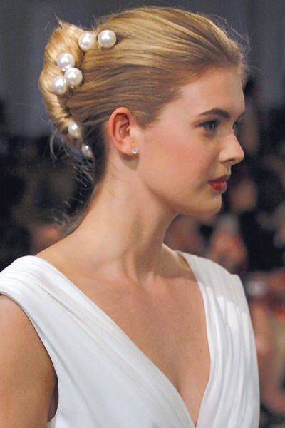 pearl hair pins with updo hairstyles 14