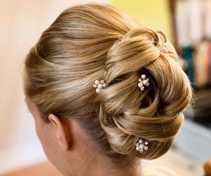 pearl hair pins with updo hairstyles 18