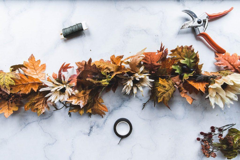 best fall banner and garland ideas from pinterest fall door garland