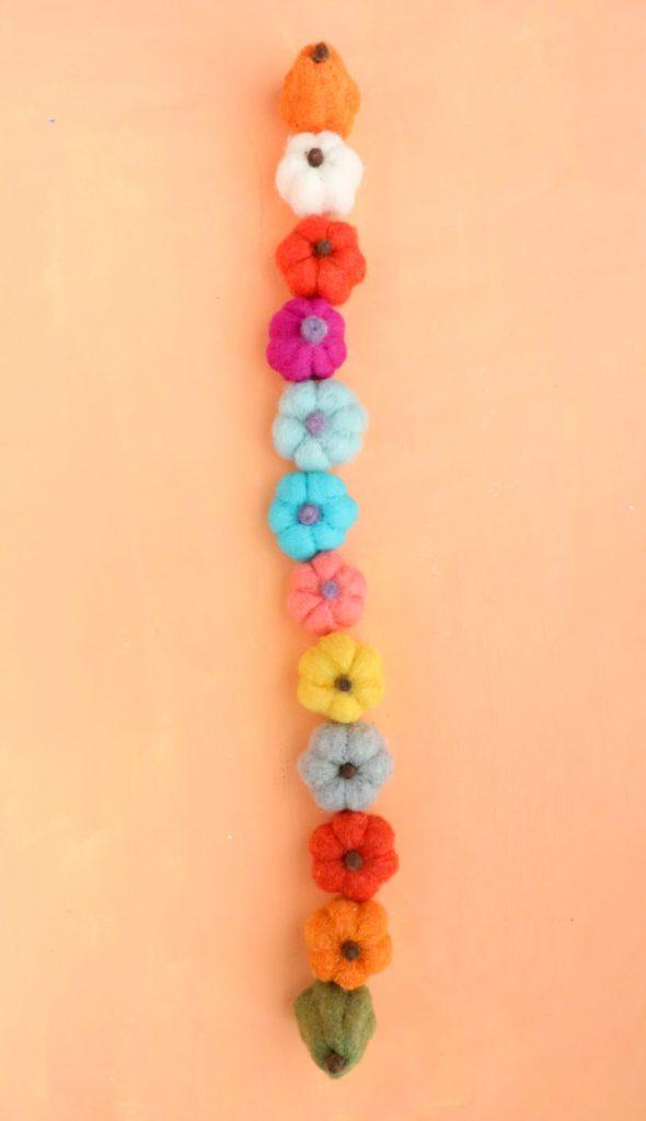 best fall banner and garland ideas from pinterest mini pumpkin garland