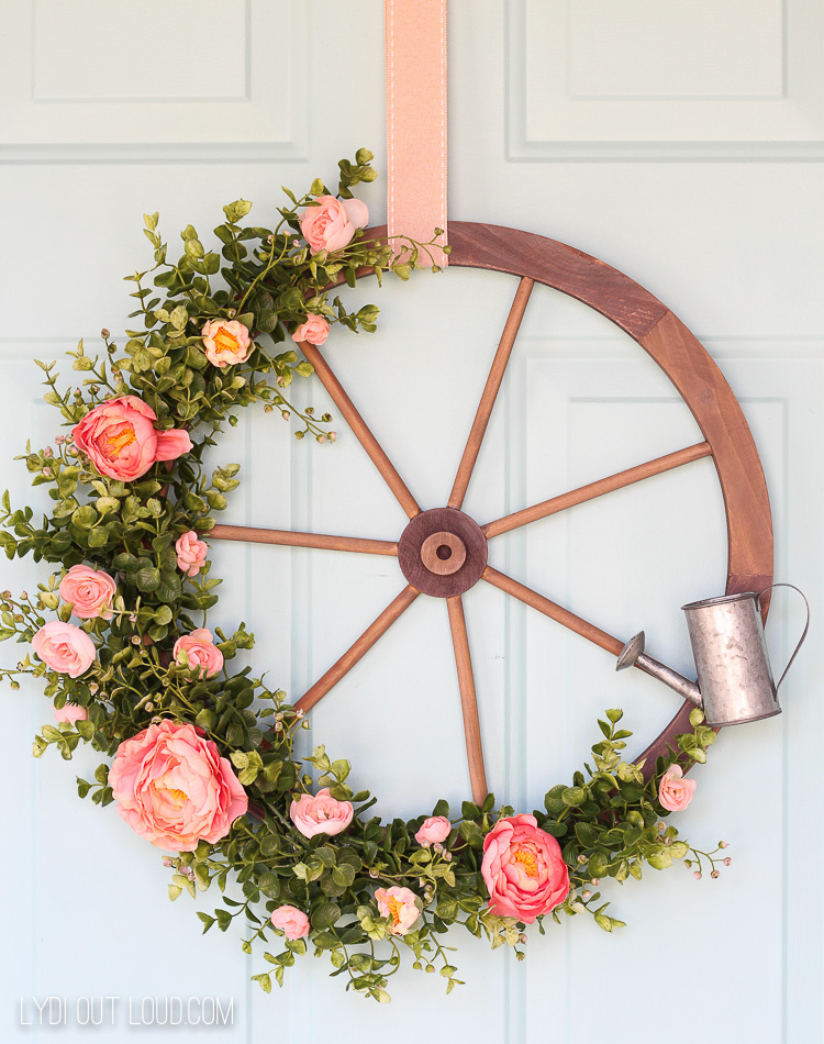 best fall banner and garland ideas from pinterest wagon wheel wreath