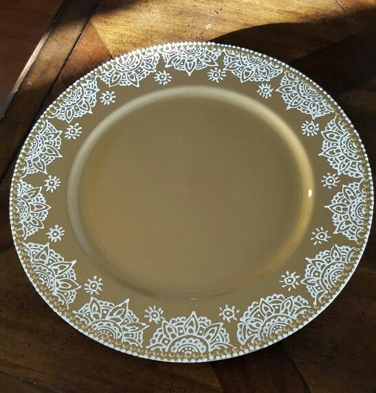 creative ideas using henna patterns in crafts plate