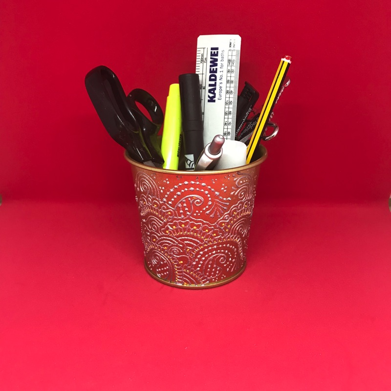 creative ideas using henna patterns in crafts pencil holder