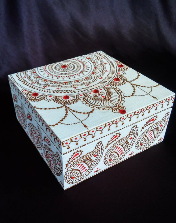 creative ideas using henna patterns in crafts jewelry box
