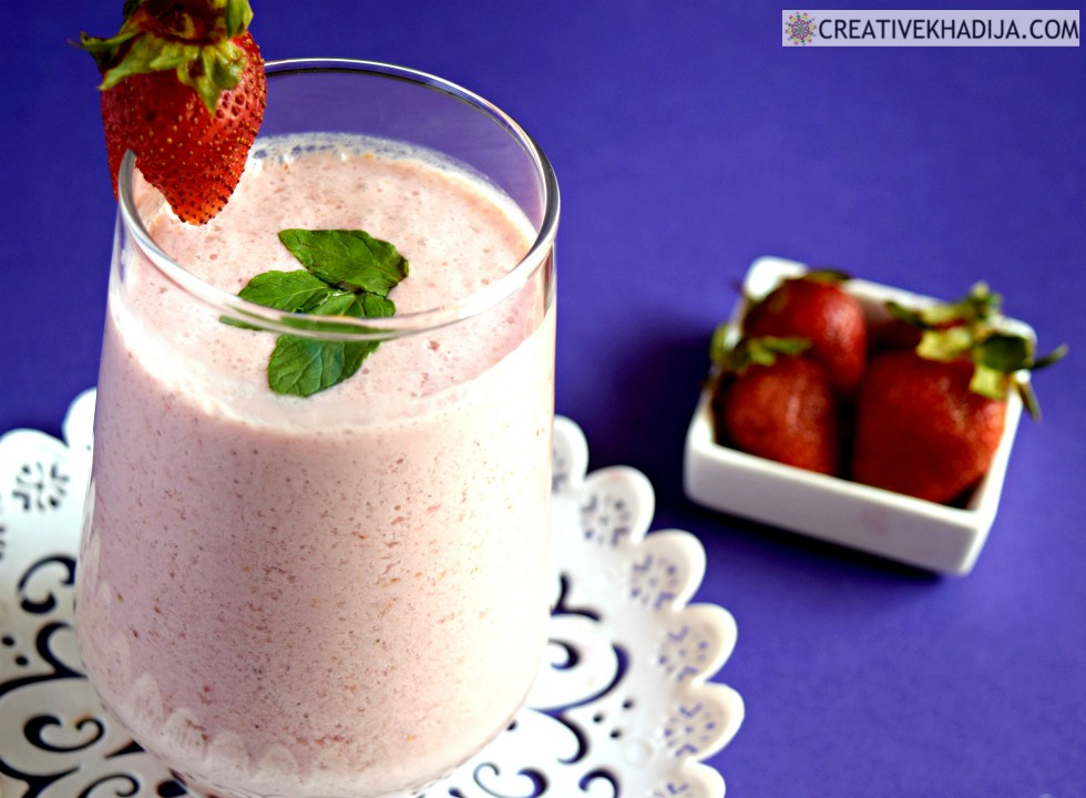 easy and quick smoothie with strawberry