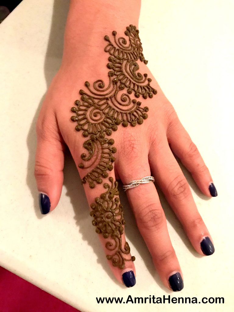 41 mehndi designs for Eid to try this year 5