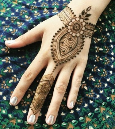 41 mehndi designs for Eid to try this year 7
