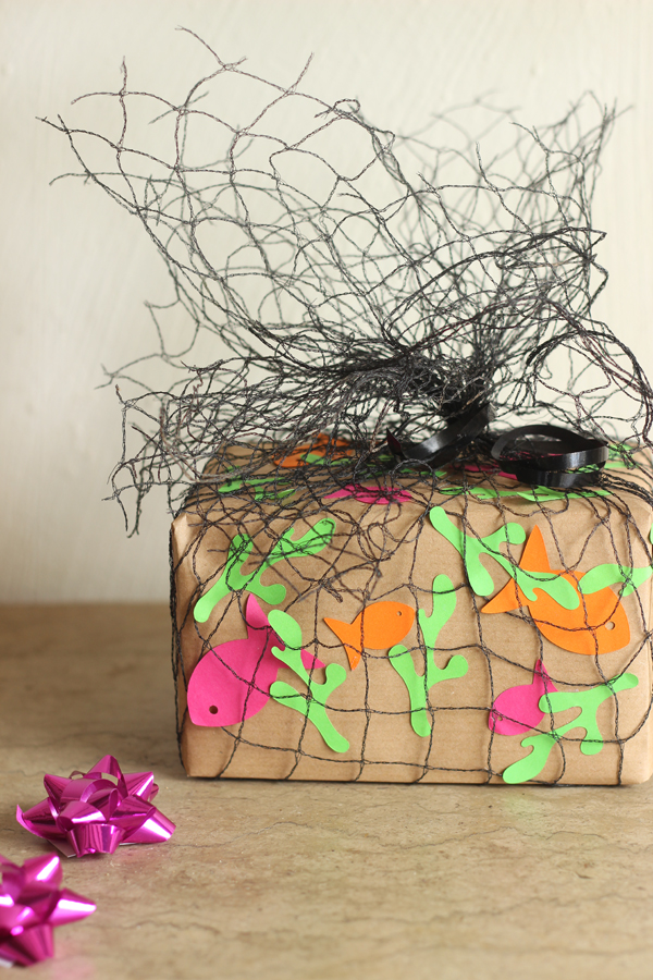 eid gifts packing ideas for kids fish net gift wrap