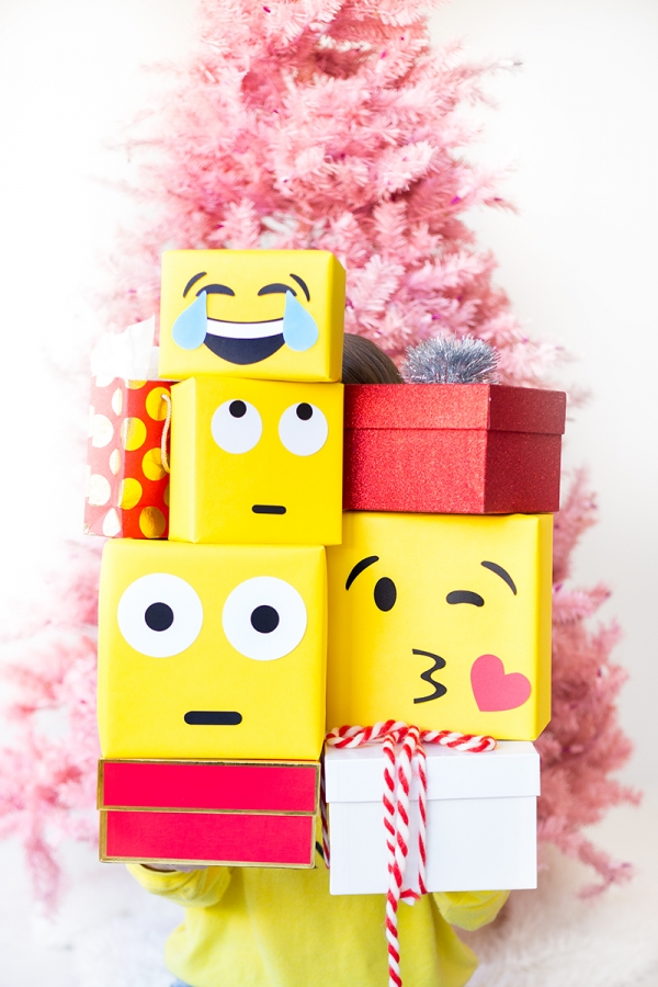 eid gifts packing ideas for kids emoji gift wrap