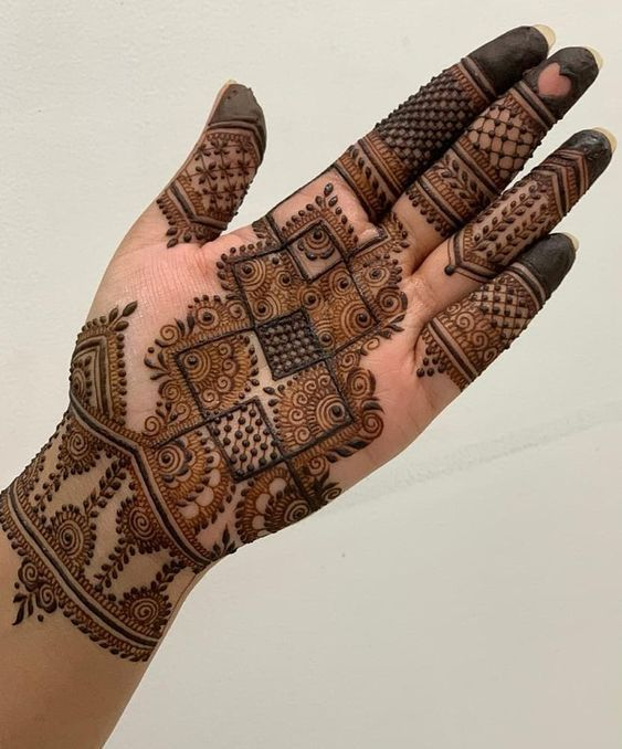 41 mehndi designs for Eid to try this year heavy designs 1