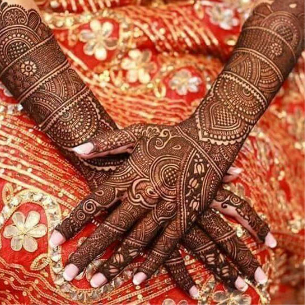 41 mehndi designs for Eid to try this year heavy designs 4