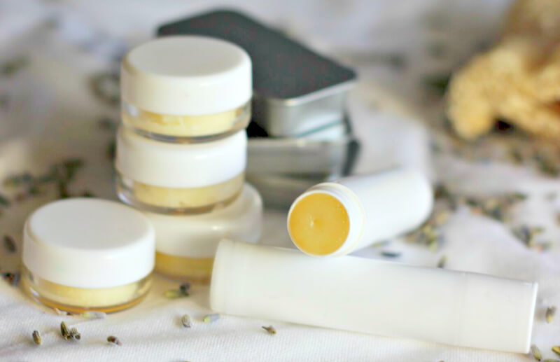 homemade lip balm with coconut oil | 8 Best DIY Lip Balm For Those Who Are Addicted To Lip Balm