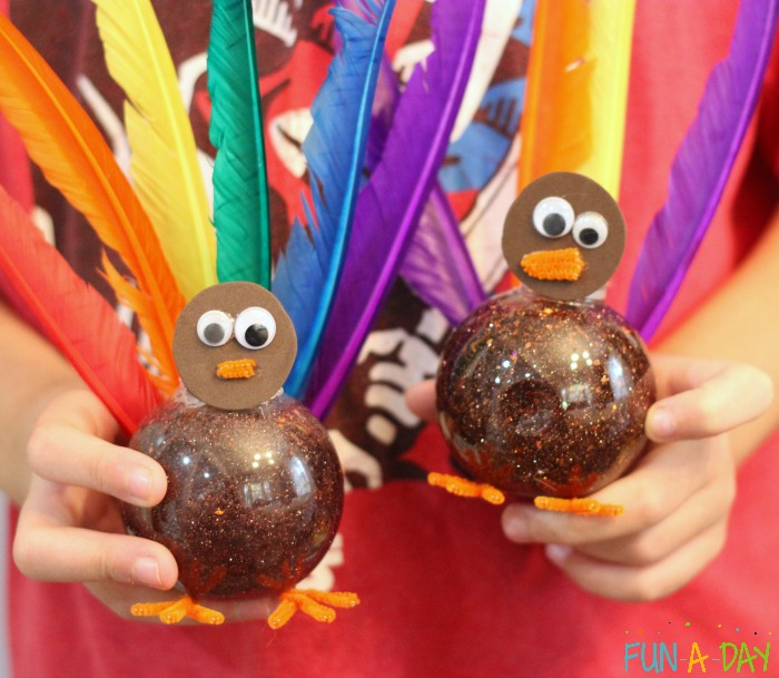 sensory fall activities to keep the toddlers busy turkey bottles
