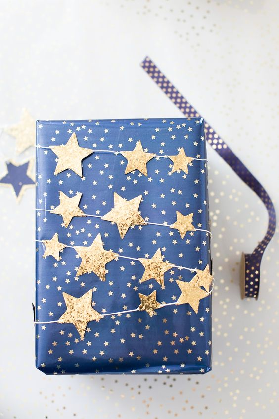 how to wrap a gift star garland wrap