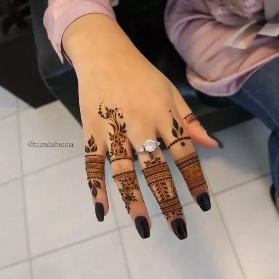 easy henna designs for fingers delicate pattern