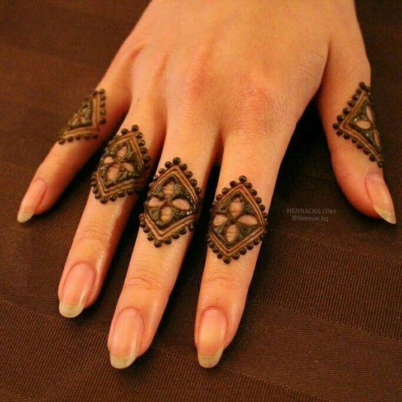 mehndi designs for Eid for fingers knuckles design