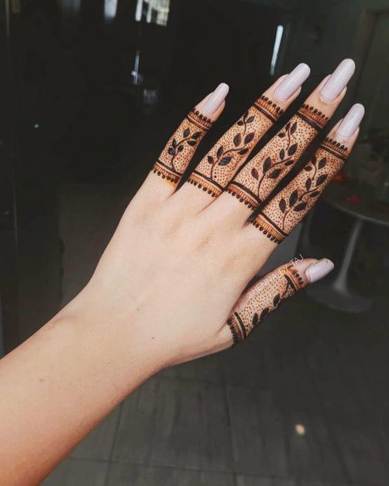 flowers mehndi designs for Eid for fingers