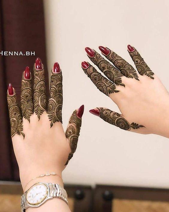 mehndi designs for Eid for fingers swirl design