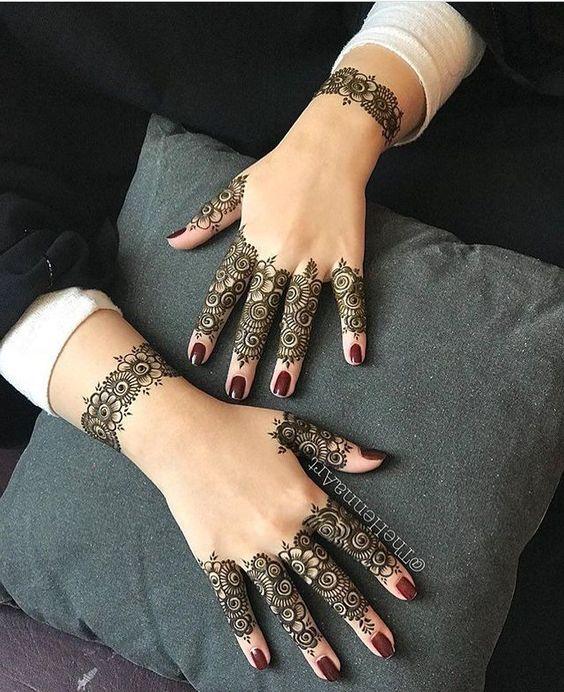 mehndi designs for Eid for fingers pattern