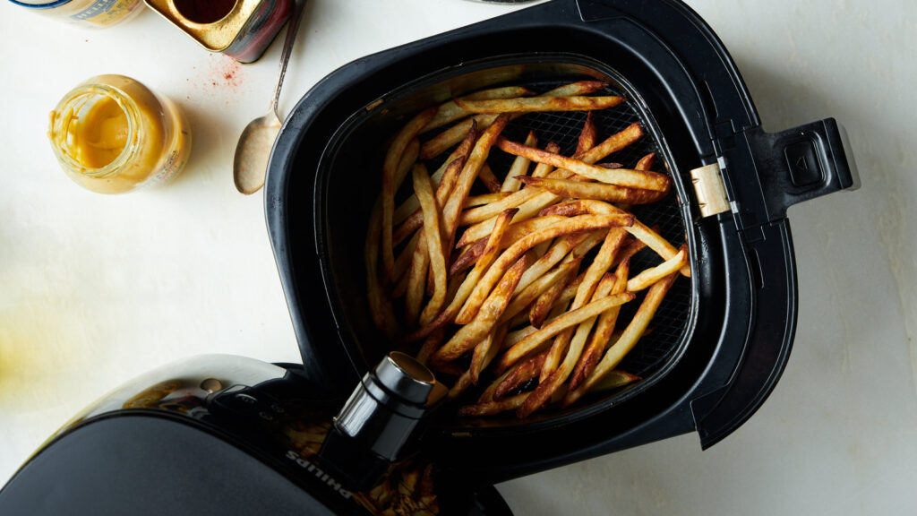 how to make air fryer french fries that are delicious