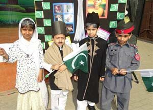 creative things to do for independence day performing skits