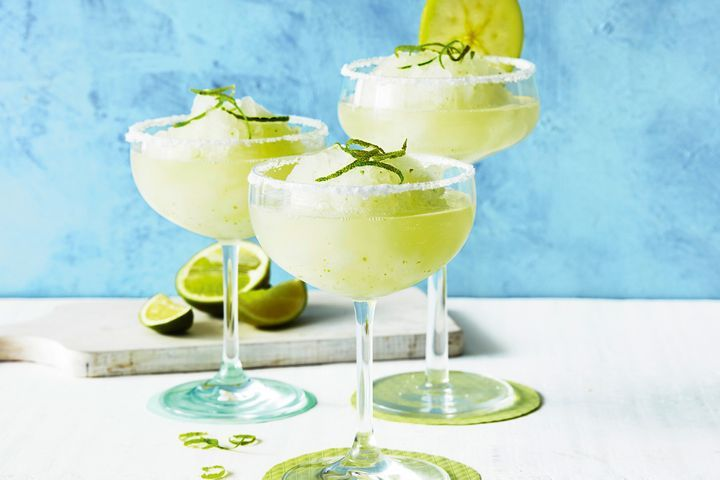 fruity summer refreshing drinks apple margarita