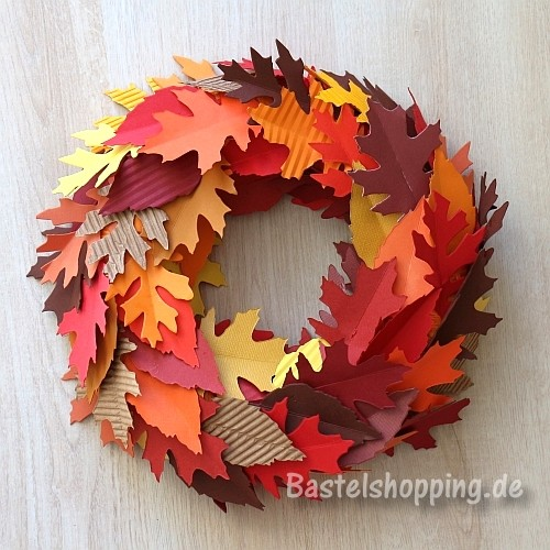 fall creative project ideas for teenagers leaves wreath